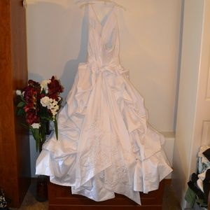 DAVID'S BRIDAL WEDDING DRESS.